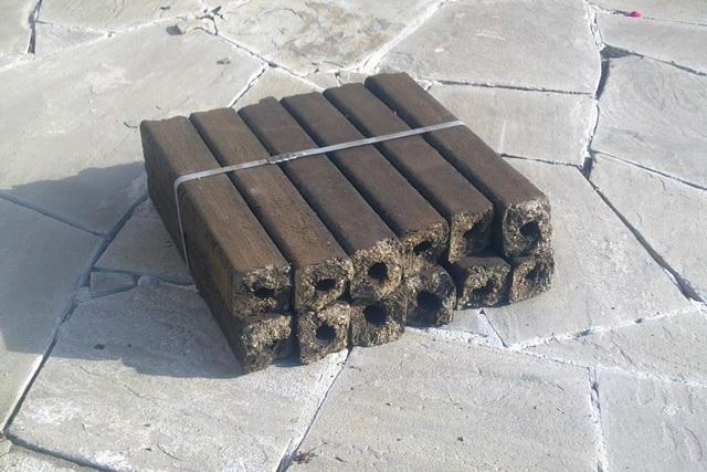 Brichete pentru cuptor  Brichete sau lemn de foc: ceea ce